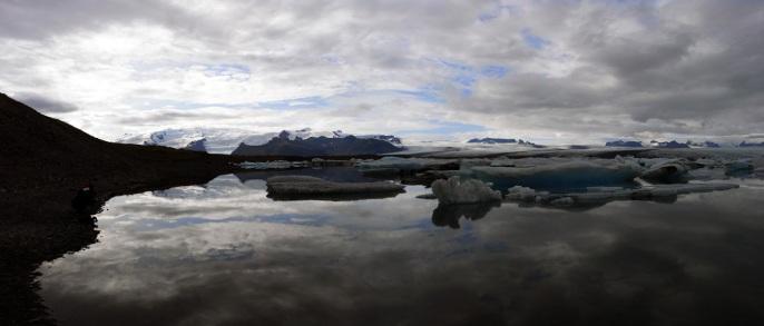http://laccoudoir.files.wordpress.com/2011/04/islande-tom-manoury.jpg